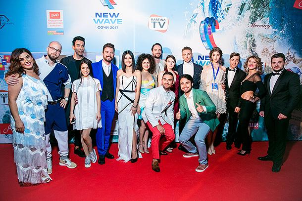 Представительница Армении – певица Эрна Мир – лидирует на международном конкурсе «Новая волна 2017»