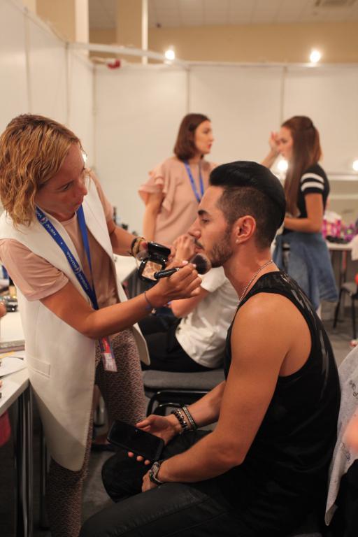 Наши главные помощники в создании красивого макияжа на «Новой Волне 2017».